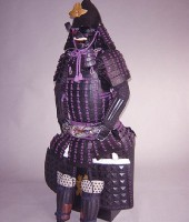 紫糸威伊予二枚胴具足