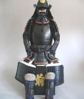 紺糸威黒艶消鋲綴二枚胴具足(頭形)