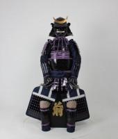 紫糸威黒胸取二枚胴具足