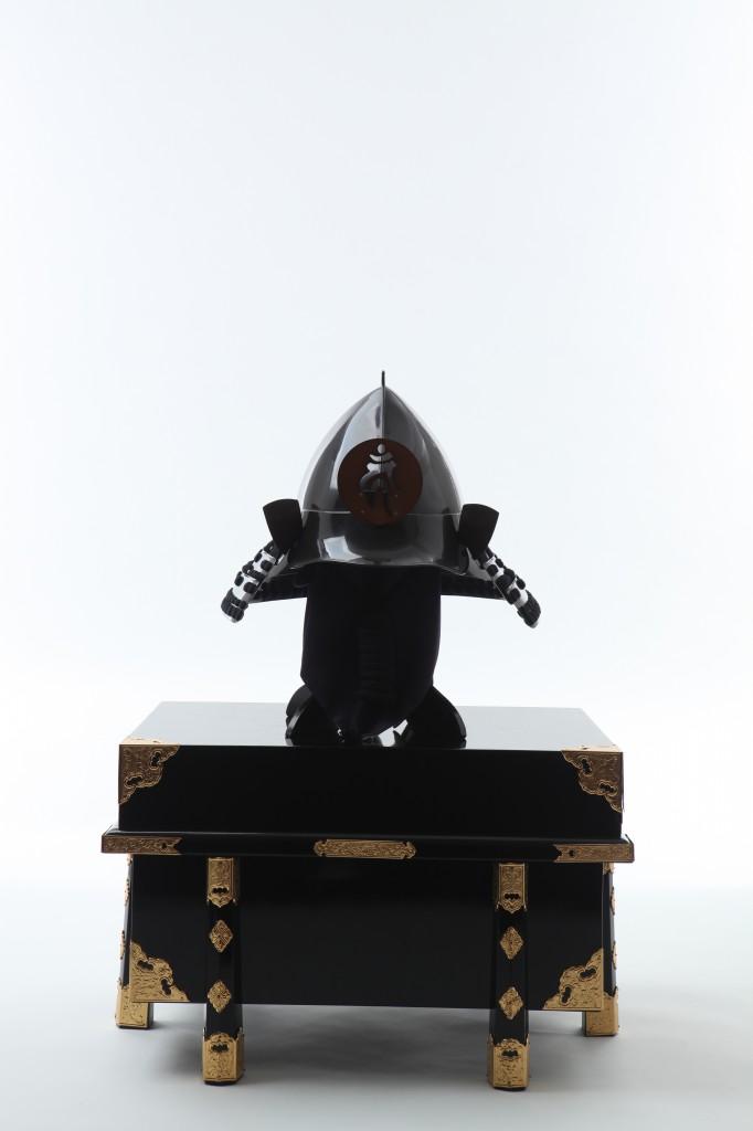 茶塗 桃形兜 胸取鋲綴り 二枚胴具足兜20120628_0093