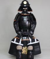 黒糸威黒艶消鋲綴二枚胴具足(厳星)